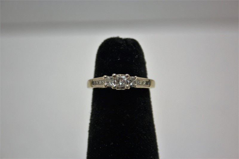 Lady's Diamond Engagement Ring 11 Diamonds .33 Carat T.W. 14K White Gold 3g