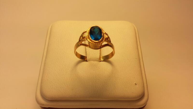 10k Oval Blue Stone 1.2CTW 1.2DWT Size 6.5