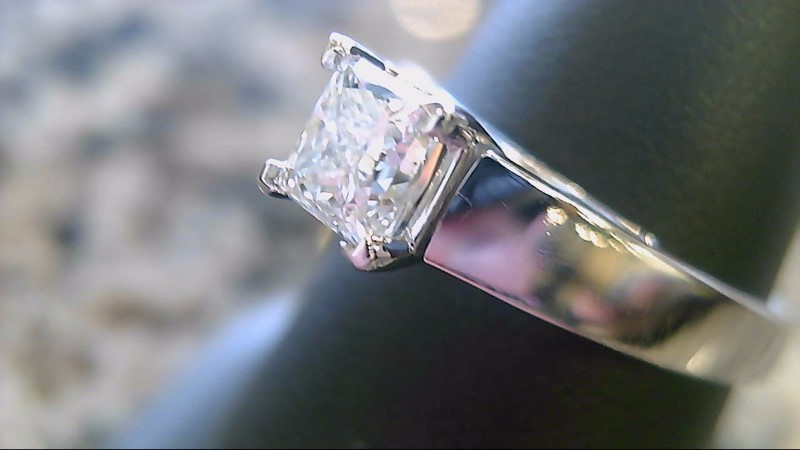 Lady's Diamond Engagement Ring .63 CT. 14K White Gold 4.1g Size:7