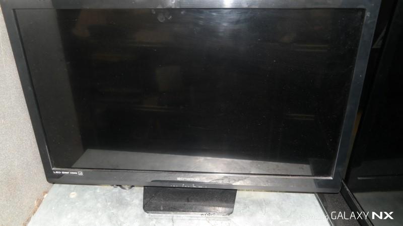 EMERSON Flat Panel Television LF320EM5F