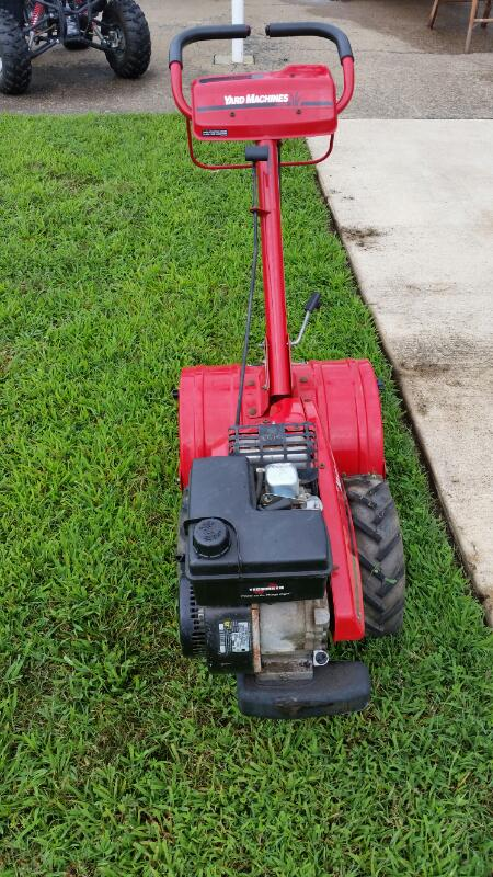 YARD MACHINES - MTD Tiller 21A-417A033 YARD MACHINE