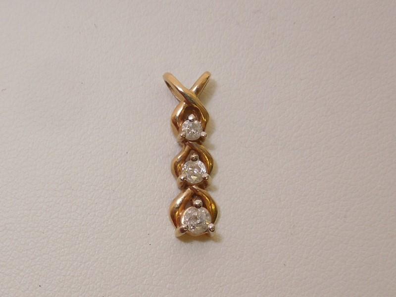 Gold-Diamond Solitaire Pendant 3 Diamonds .15 Carat T.W. 10K Yellow Gold 1.1g