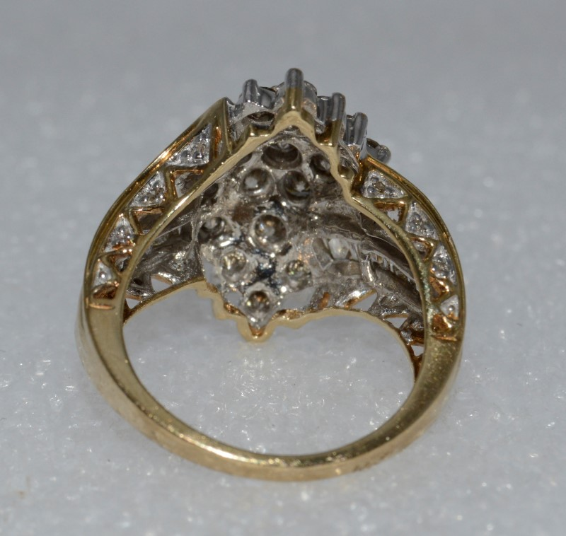 10K Yellow Gold Cathedral Set Flowing Diamonds Ring w/ Side Accents Size 7