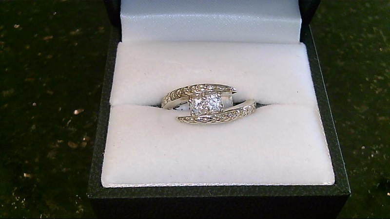 Lady's sterling silver 925 2-round cubic zirconia ring