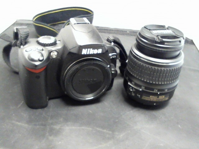 NIKON Digital Camera D40
