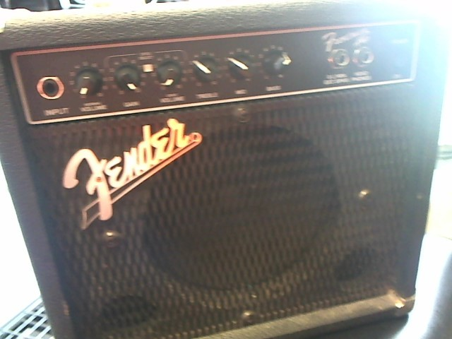FENDER Electric Guitar Amp PR241