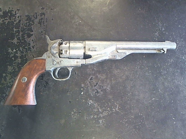Military Memorabilia BKA PROP GUN