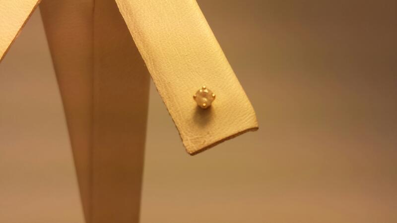 14k Diamond Earring - Single - .10ctw - .2dwt