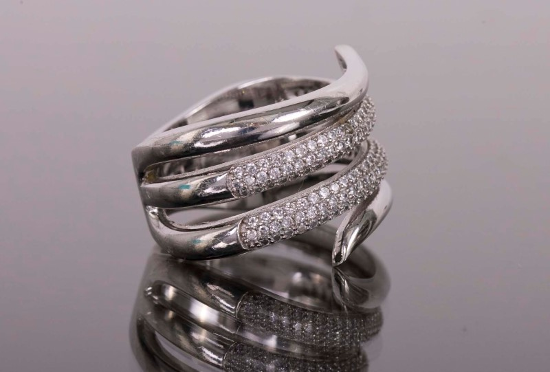 Synthetic Cubic Zirconia Lady's Silver & Stone Ring 925 Silver 7.1g
