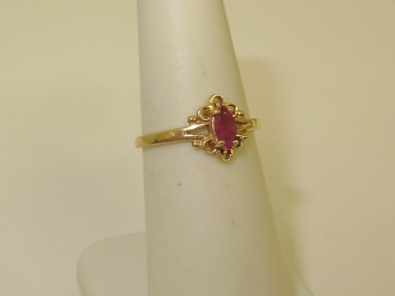 Synthetic Ruby Lady's Stone Ring 10K Yellow Gold 1.5g Size:6