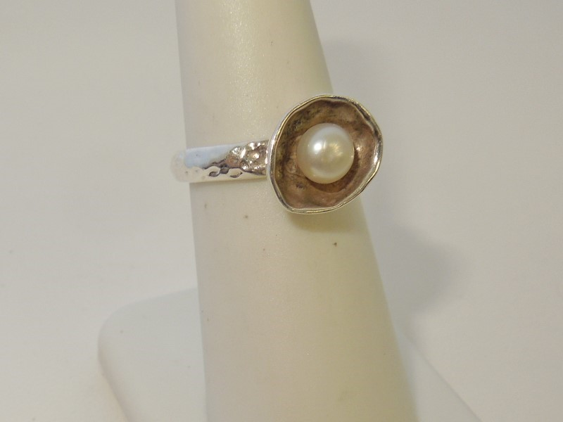 Pearl Lady's Silver & Stone Ring 925 Silver 3.6g