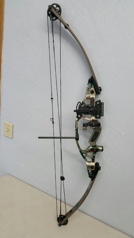 Hoyt Contender Accutec II RH Compound Bow