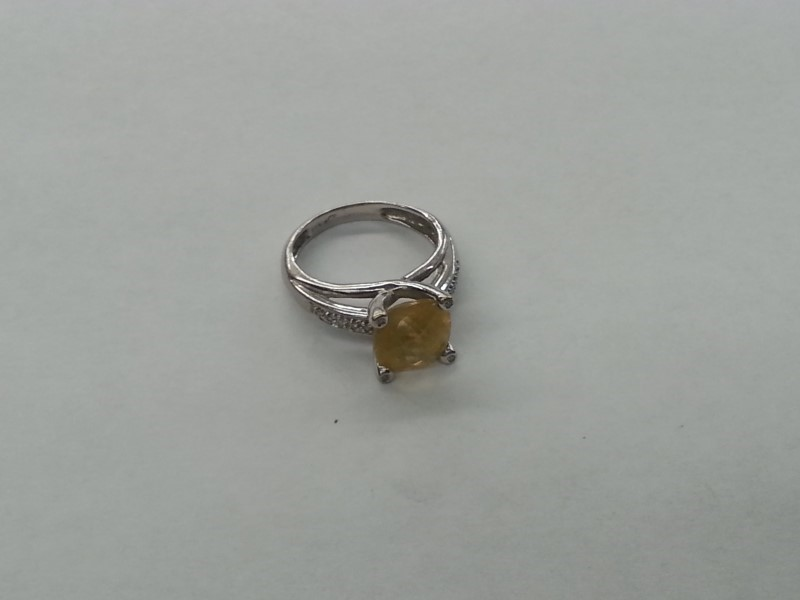 Orange Stone Lady's Stone & Diamond Ring 14 Diamonds .14 Carat T.W.