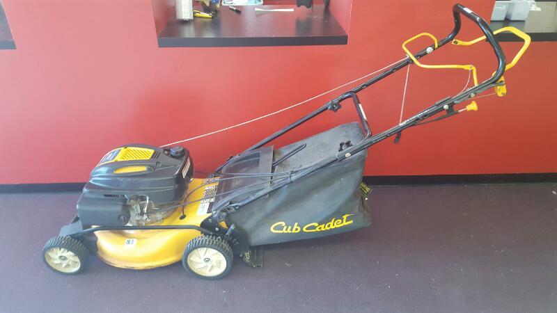 CUB CADET Lawn Mower 12A-18MC056
