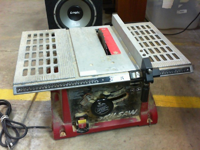 SKIL Table Saw 3305