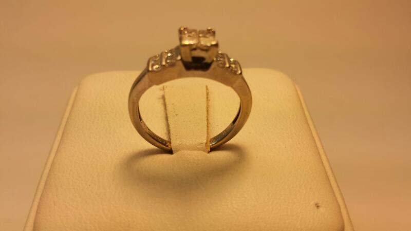 14k White Gold Engagement Ring 12 Diamonds .84CTW Size 4