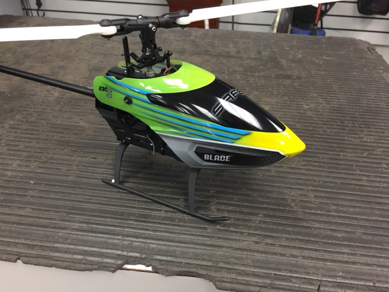 BLADE 230 S HELICOPTER WITH CHARGER