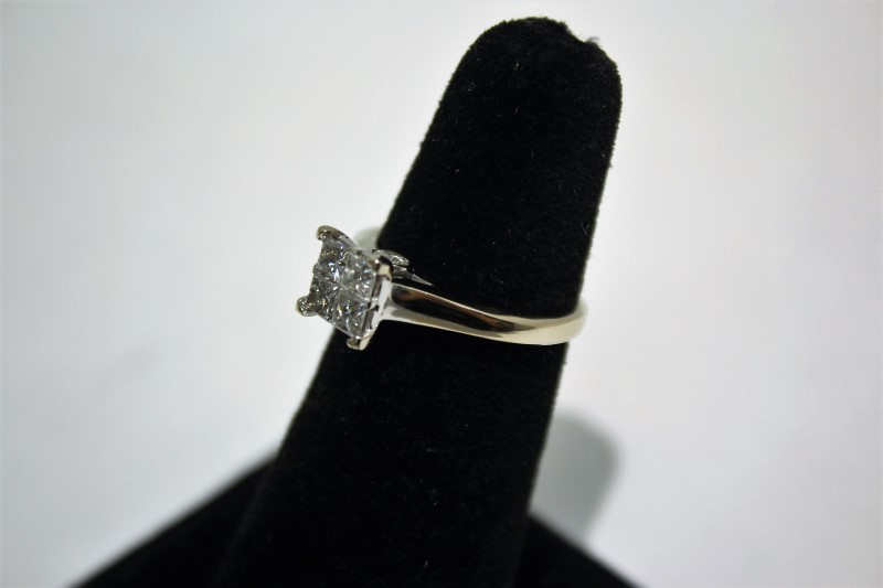 Lady's Diamond Engagement Ring 6 Diamonds 1.20 Carat T.W. 14K White Gold 3.8g