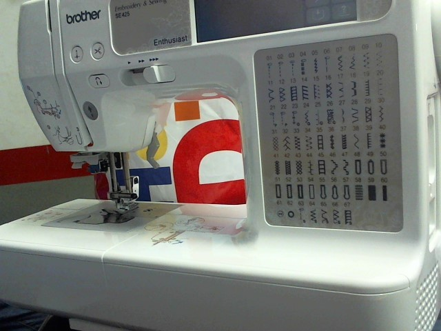 BROTHER SEWING AND EMBROIDERY MACHINE SE425 Sewing Machine SE425