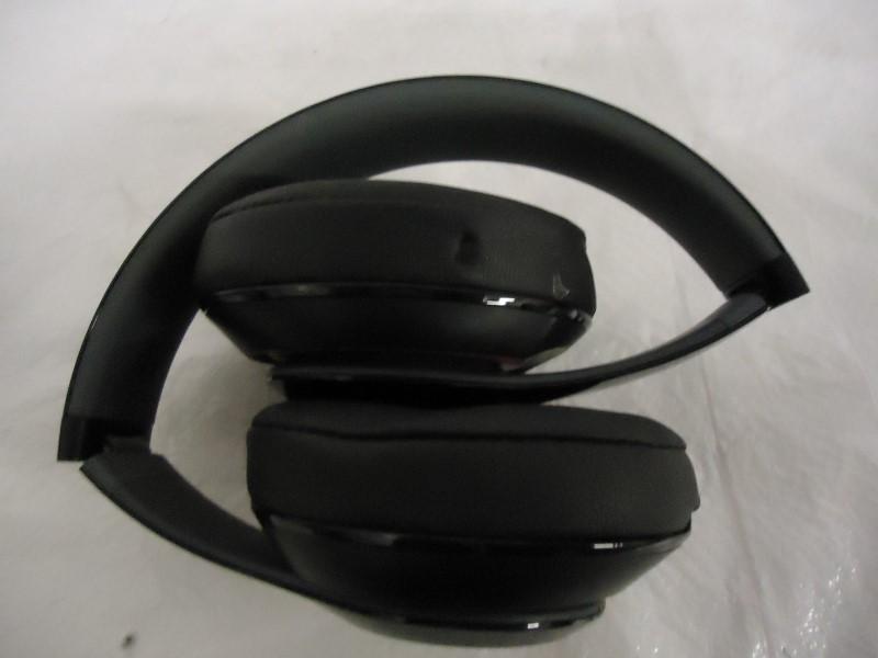 BEATS AUDIO Headphones STUDIO WIRELESS - OVER EAR