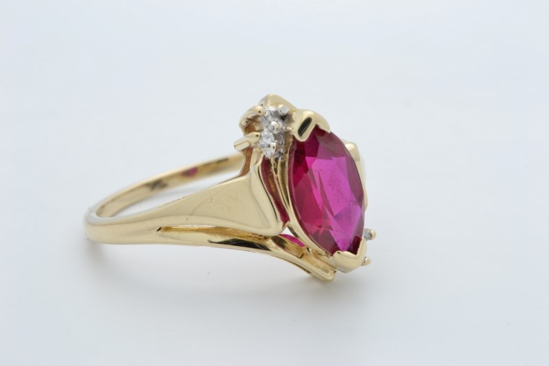 ESTATE DIAMOND MARQUISE RED GEM STONE RED SOLID 10K GOLD SIZE 7.5