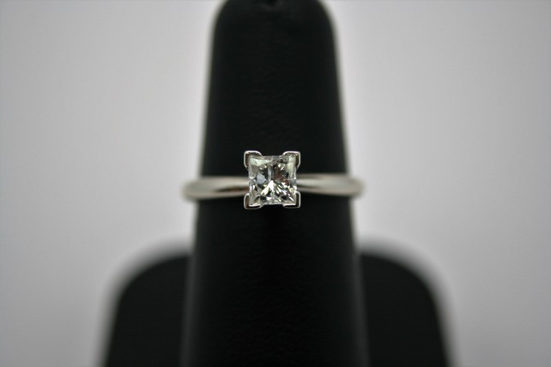 LADY'S PRINCESS CUT DIAMOND SOLITAIRE 14K WHITE GOLD