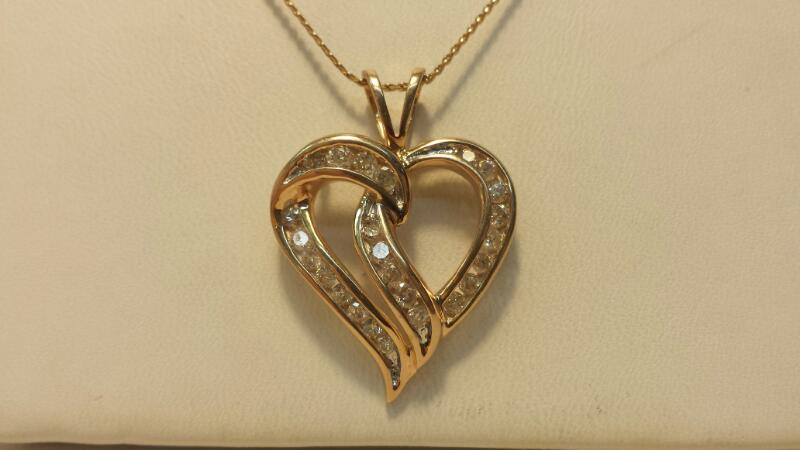 10k Yellow Gold Snake Chain with Heart Pendant & 25 Diamonds at 1ctw - 3.5dwt