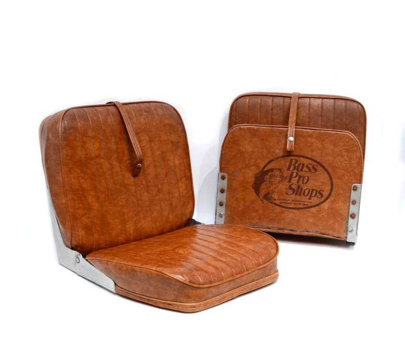 Bass Pro Shops Pair of Leather Folding Fishing Seats No Mounts>