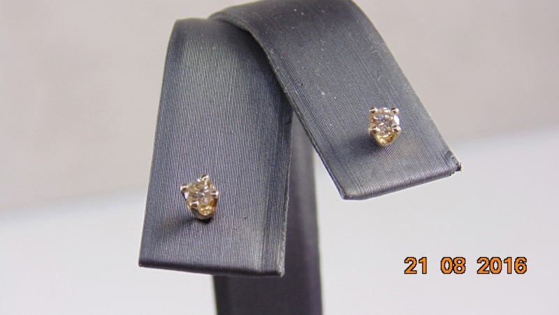 DIAMOND STUD EARRINGS APX .16 Carat T.W. 14K Yellow Gold 0.3g