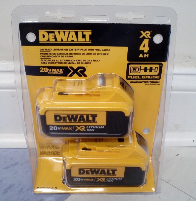 DEWALT DCB204-2 20V MAX XR LITHIUM ION BATTERY SET