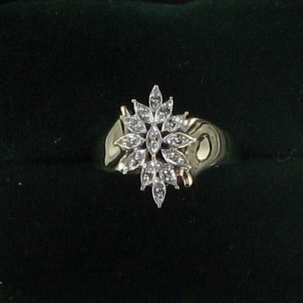 Lady's Diamond Cluster Ring 12 Diamonds .12 Carat T.W. 10K Yellow Gold 2.4dwt