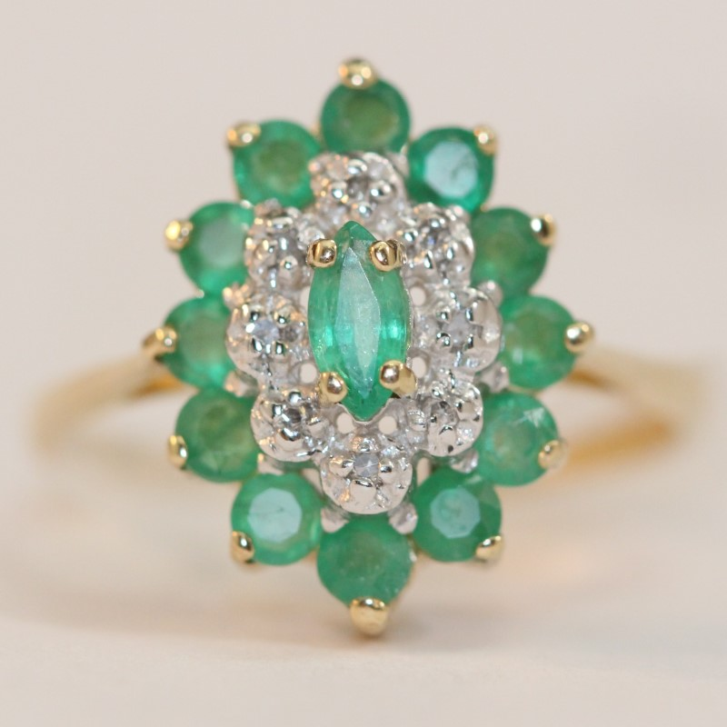10K Yellow Gold Emerald and Diamond Ring Size 6