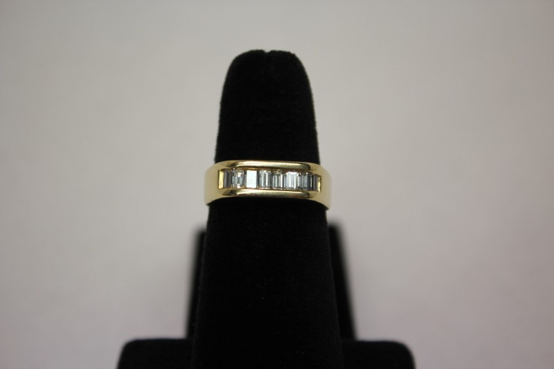 Lady's Diamond Wedding Band 8 Diamonds .48 Carat T.W. 14K Yellow Gold 8g Size:8
