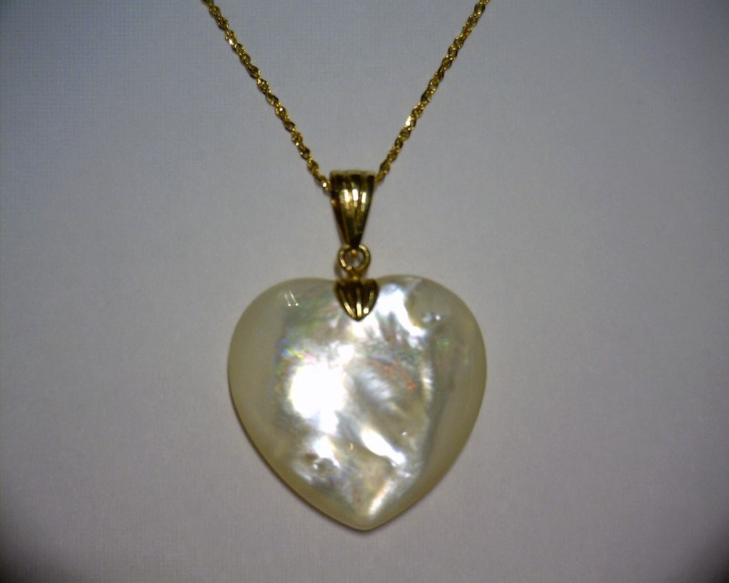 "18"" Mother Of Pearl Stone Necklace 14K Yellow Gold 1dwt"