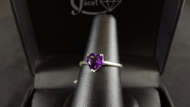 Heart Amethyst Sterling Silver Lady's Ring 925