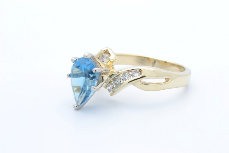 ESTATE DIAMOND BLUE TOPAZ RING SOLID 14K GOLD PEAR CUT SIZE 6.75