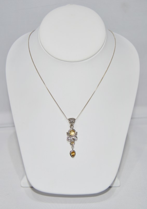 "Unique Sterling Silver Yellow Filligree Pendant on 18"" Box Chain"