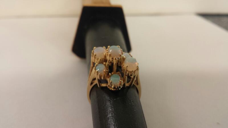 10K-Y/G Lds 7 Opal Ring