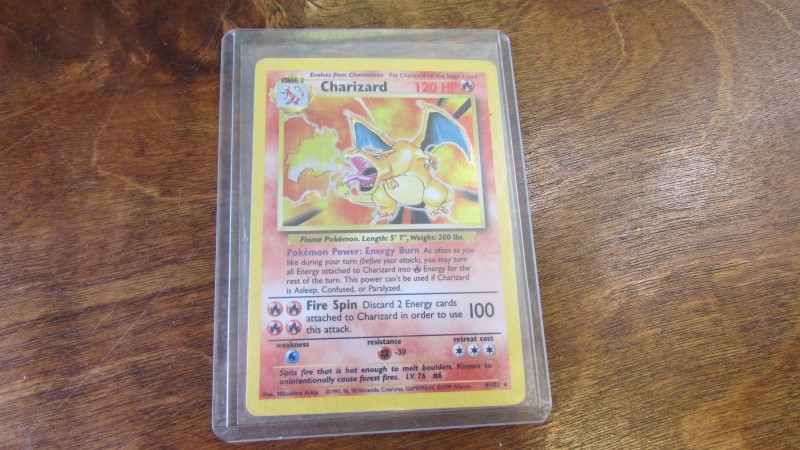POKEMON CHARIZARD 4/102 *