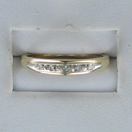 Lady's Diamond Wedding Band 5 Diamonds .10 Carat T.W. 14K Yellow Gold 1.6dwt