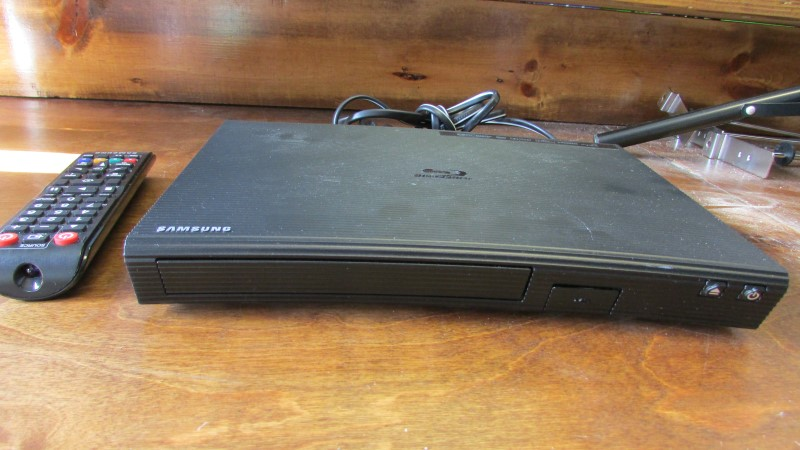 SAMSUNG Blu-Ray Player BD-J5700