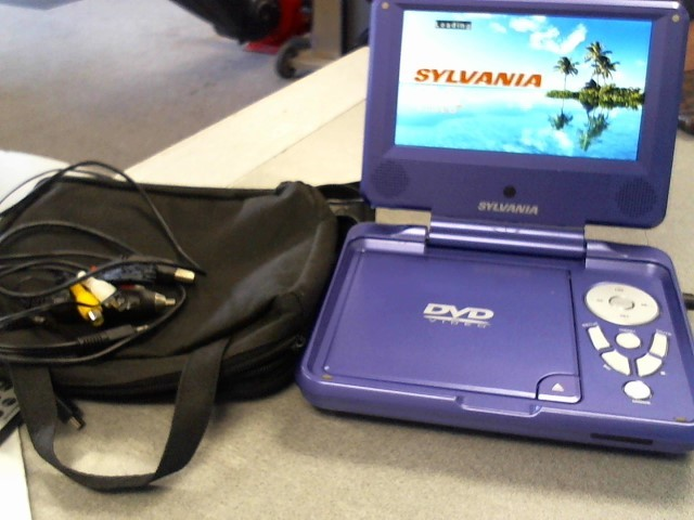 SYLVANIA Portable DVD Player SDVD7027