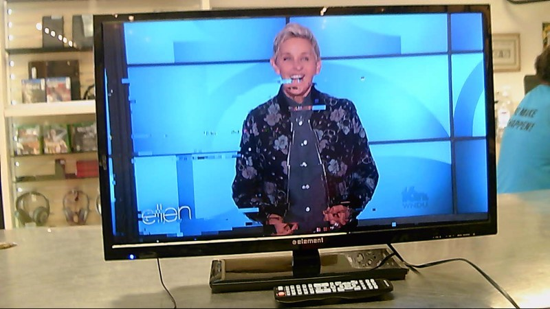 "ELEMENT TV,REMOTE 32"" ELEFW328"