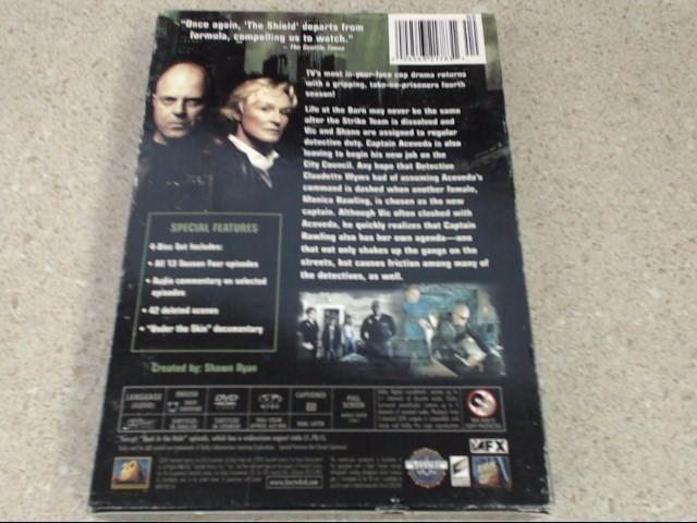 THE SHIELD SEASON 4 - 4 DISC DVD SET