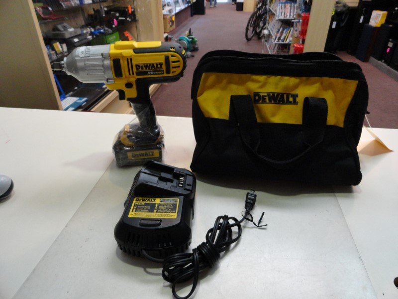 "Dewalt DCF889H 1/2"" Cordless Impact Wrench 20v Max Lithium Ion"