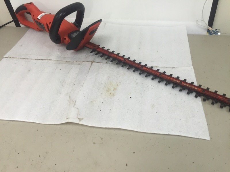 BLACK&DECKER Hedge Trimmer HH2450