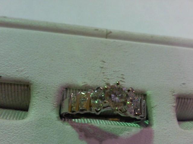 Lady's Diamond Wedding Set 11 Diamonds 1.10 Carat T.W. 18K White Gold 5.7g