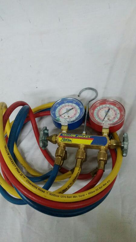 YELLOW JACKET Miscellaneous Tool TEST AND CHARGING MANIFOLD