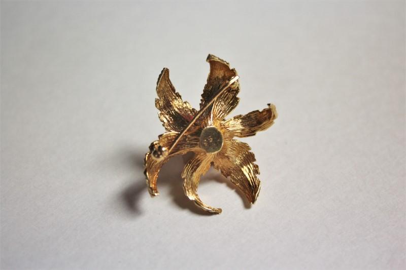 Gold-Diamond Brooch 3 Diamonds .12 Carat T.W. 14K Yellow Gold 8.5g