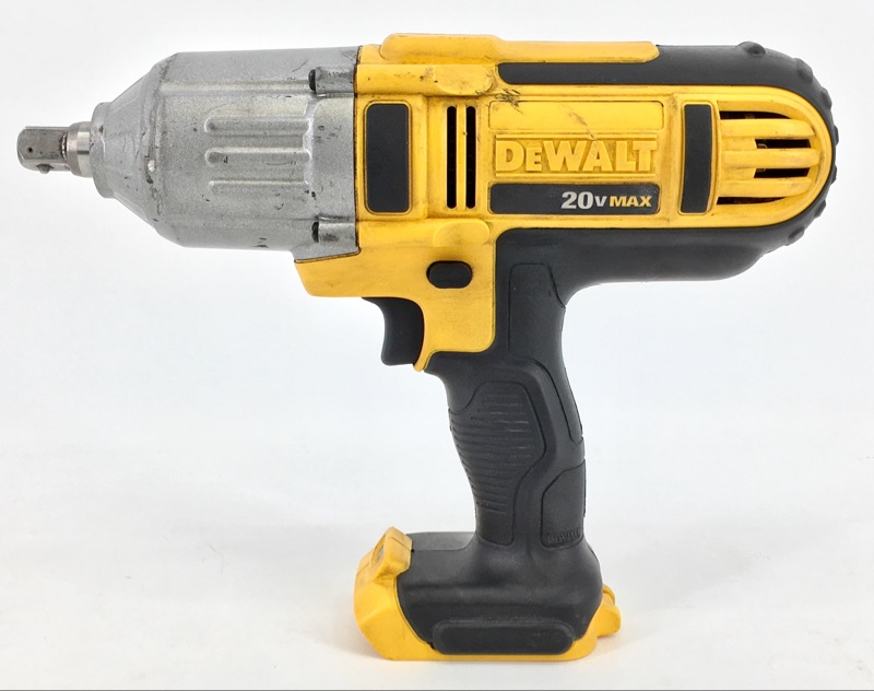 "DEWALT DCF889 20V 1/2"" CORDLESS IMPACT WRENCH BUNDLE"